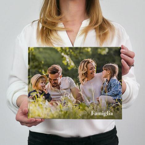 album fotografico in formato 30x20 panoramico con famiglia felice