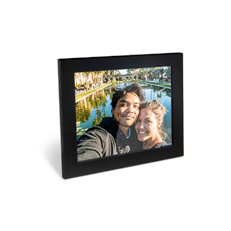 Cadre photo avec un support montrant un couple