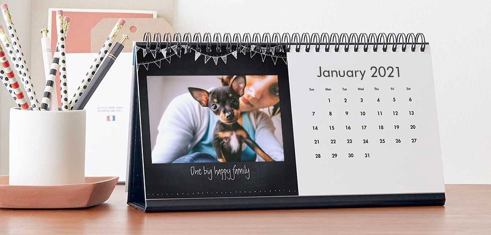 Desktop calendar with pet photos