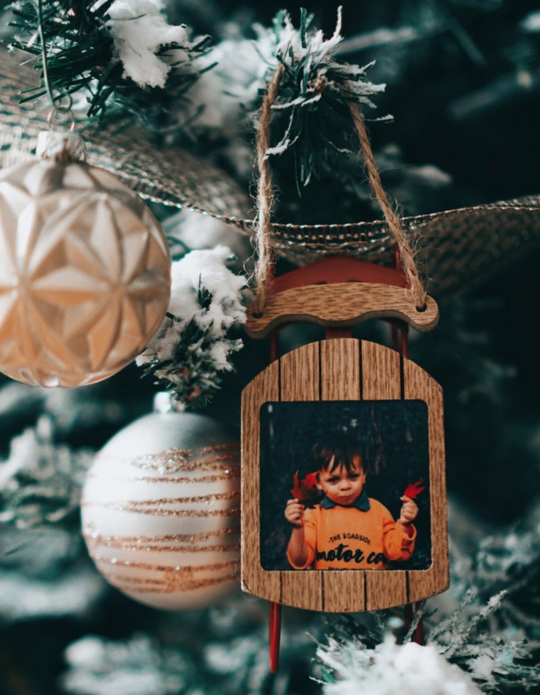This Holiday, create personalized Christmas tree ornaments. Wide range of product styles to choose from.