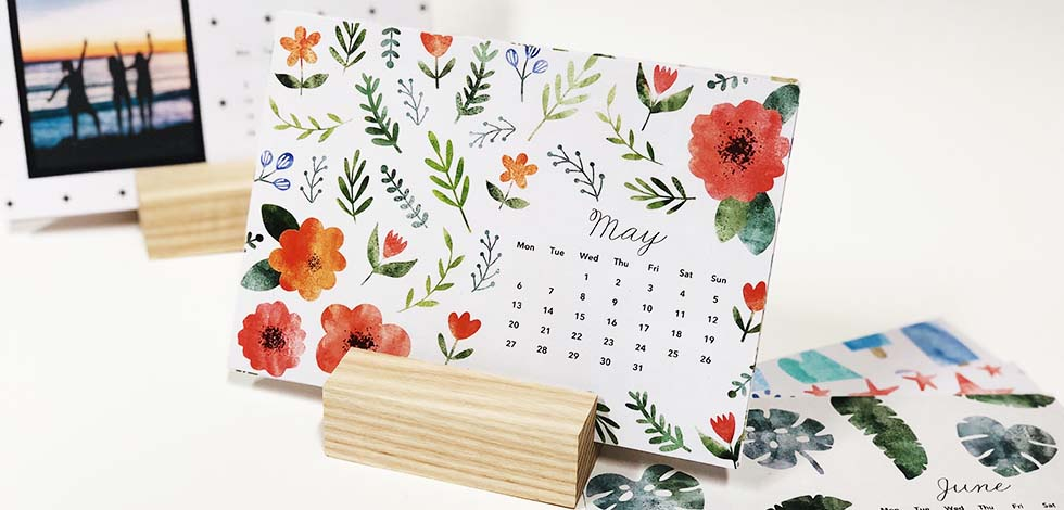 Desk Calendar in Wood Block - Just £17.99